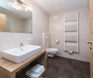 Badezimmer - Bagno- bathroom